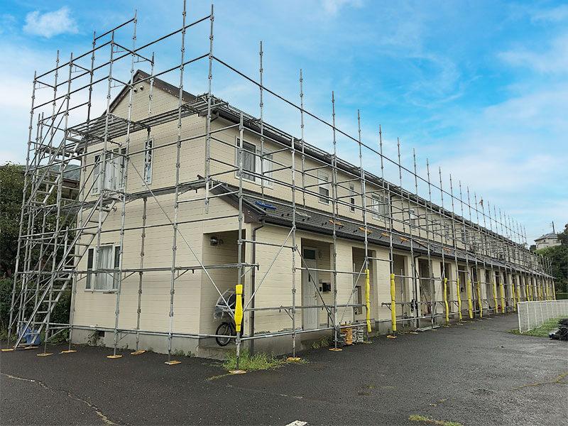 横浜市青葉区大場町にてアパートの補修・塗装工事始まりました。