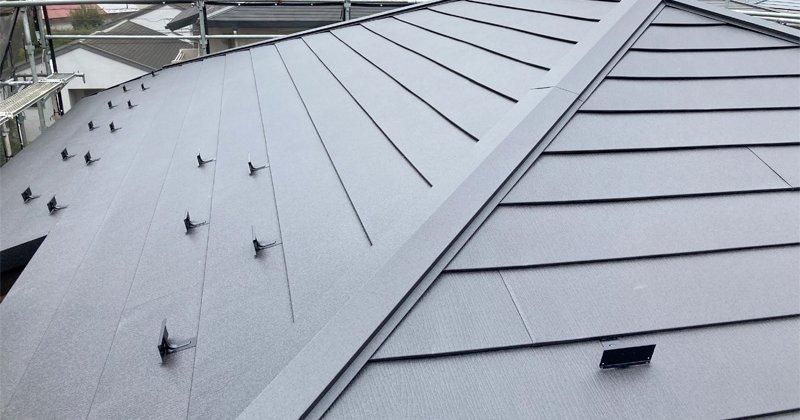 横浜市磯子区洋光台にて、屋根カバー工法工事